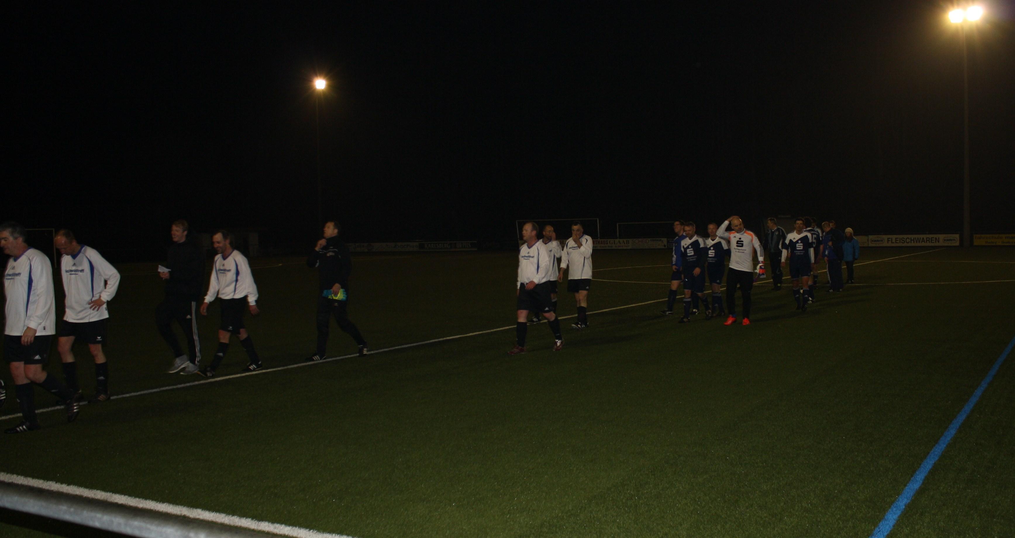 Attraktiver Fußball 221